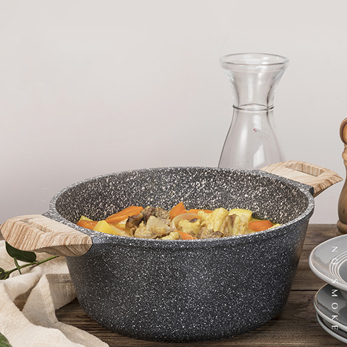 Carote麥飯石不粘燉煮煲湯小火鍋