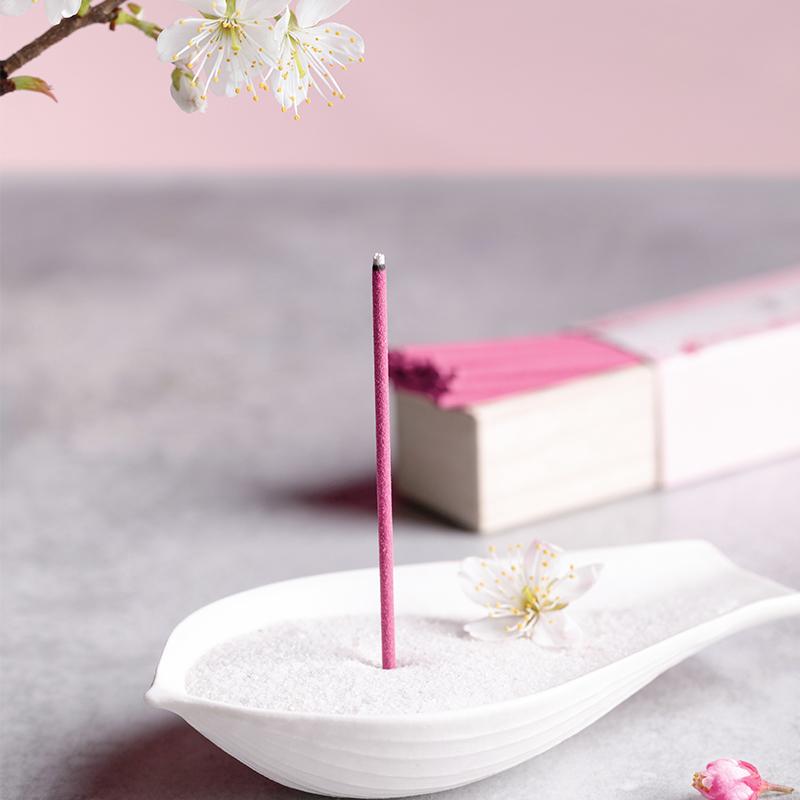 如坐櫻花樹下 淡墨之櫻沉香線香40支*1盒